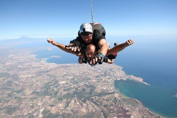 skydive-siracusa1.jpg.295b2567fbe5dbea75f254d1dbc19043.jpg